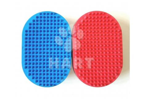 Vyčesávací gumový oválný kartáč na ruku pro psy     1ks